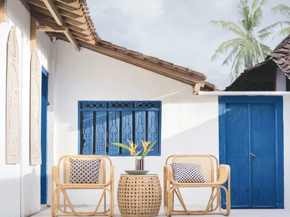 Minimal Outdoor Furniture Makeover
